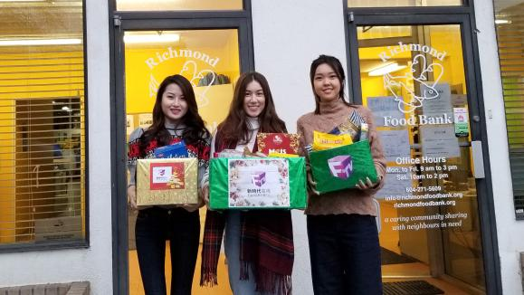 Miss Chinese Vancouver Winners visit Richmond Food Bank